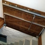Autentičan ulaz u podrum stare kuće zahvaljujući plinskim oprugama-3
