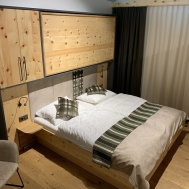 Uljni prigušivač kod sklopivih kreveta-1