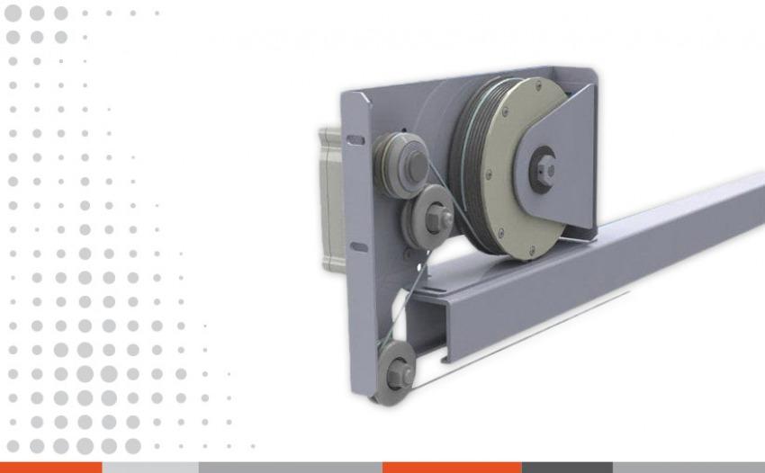 Mehanizam za klizna vrata sa automatskim zatvaračem i regulatorom brzine zatvaranja